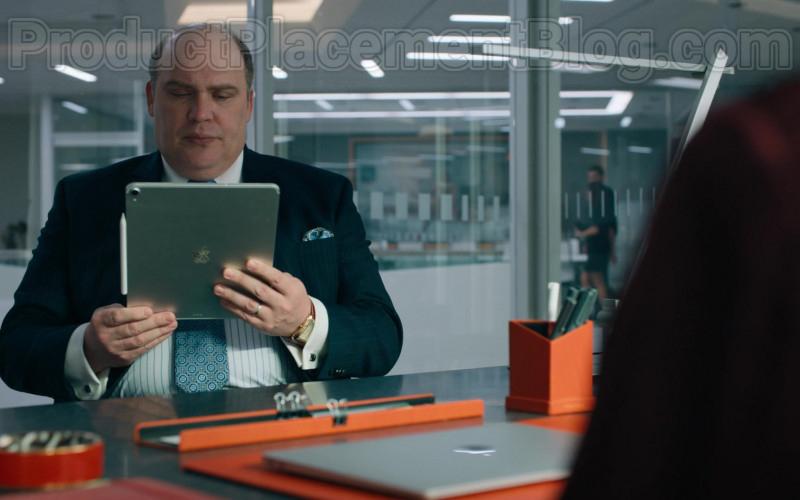 Apple iPad Tablet of Glenn Fleshler as Orrin Bach in Billions S05E02 (1)