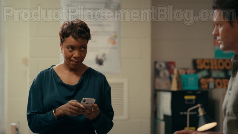 Apple iPhone Smartphone Used by Actress Heather Headley as Helen Decatur in Sweet Magnolias S01E07 Netflix TV Show