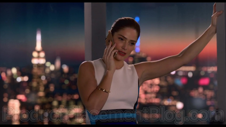 Apple iPhone Smartphone Used by Julia Jones in Think Like a Dog (2020)