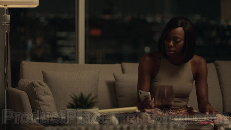 Apple iPhone Smartphone in Insecure S04E04 Lowkey Losin' It (2020)
