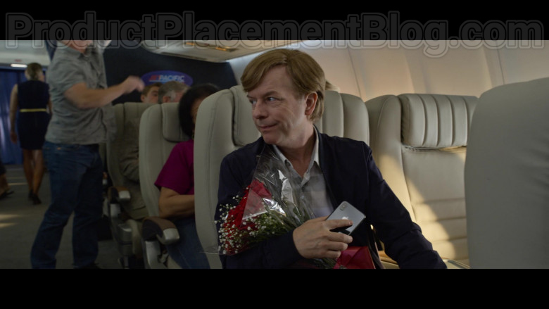 Apple iPhone Smartphone of David Spade as Tim Morris in The Wrong Missy Movie by Netflix (2)