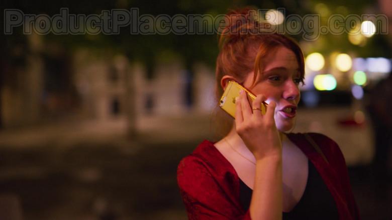 Apple iPhone Smartphone of Diana Gomez in Valeria S01E01 The Impostor (1)