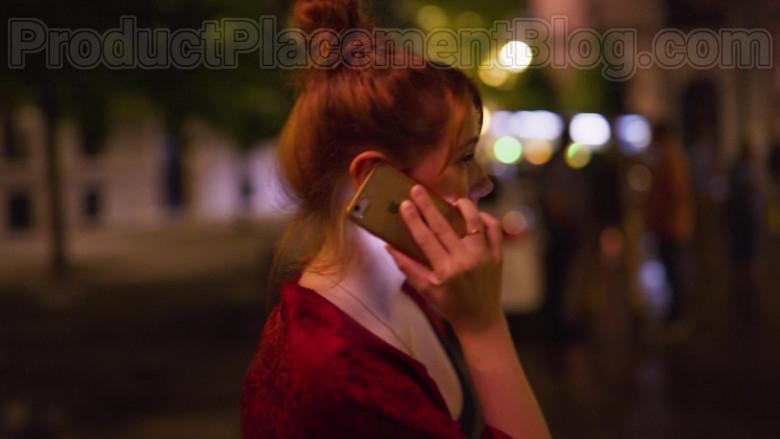 Apple iPhone Smartphone of Diana Gomez in Valeria S01E01 The Impostor (2)