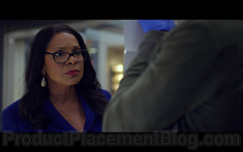 Audra McDonald as Liz Lawrence Wearing Ray-Ban Eyeglasses in The Good Fight S04E07 TV Show (2)