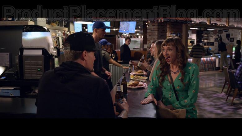 Blue Moon Beer Enjoyed by Vanilla Ice (Rob Van Winkle) in The Wrong Missy Movie by Netflix (3)