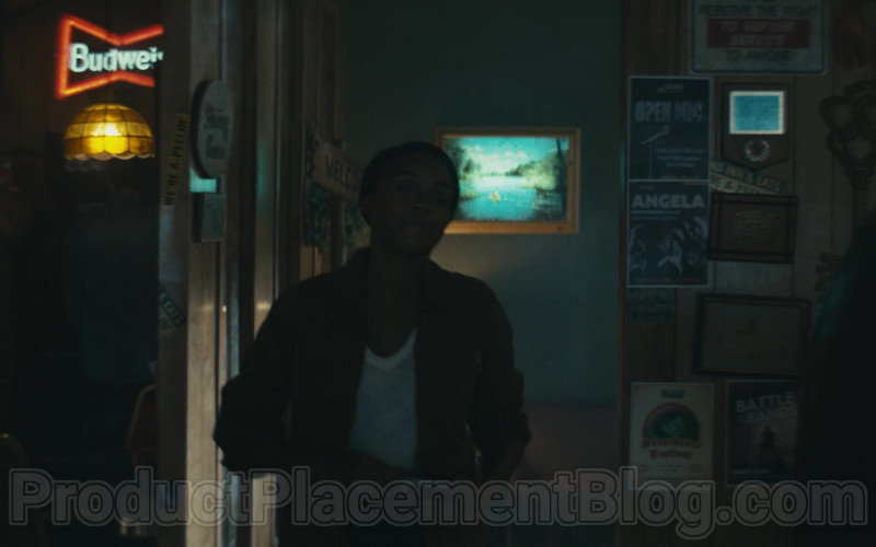 Budweiser Neon Sign in Homecoming S02E05 Meters (2020)