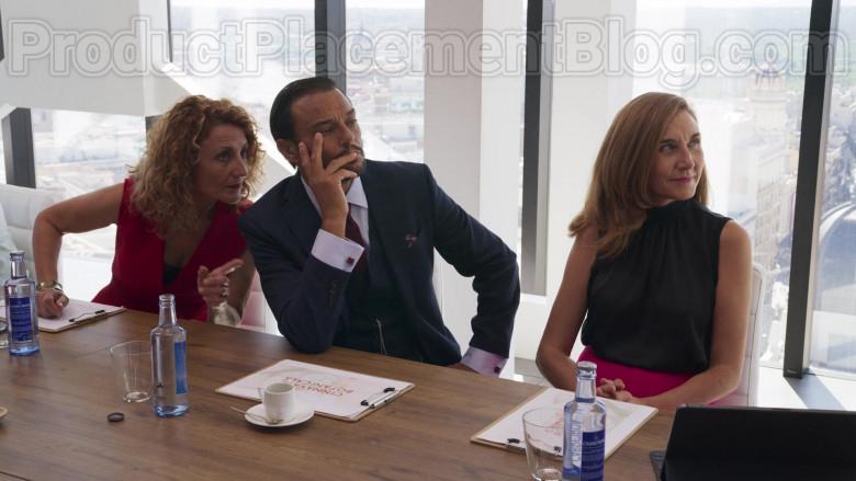 Cabreiroá Bottled Water in Valeria S01E08 TV Series (2)