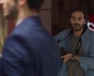 Canon Camera in Valeria S01E01 The Impostor (2020)