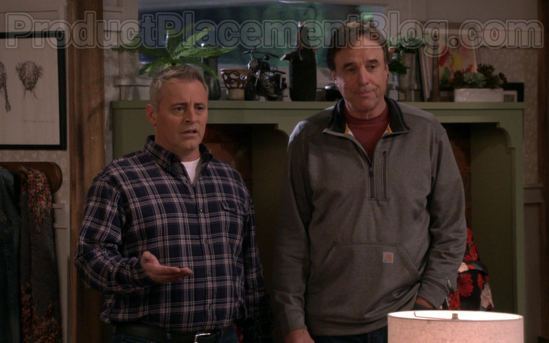 Carhartt Force Extremes Mock Neck Half Zip Sweatshirt of Kevin Nealon in Man with a Plan S04E09