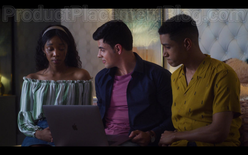 Cast Members Using Apple MacBook Laptop in Blood & Water S01E04 Netflix TV Series (2)