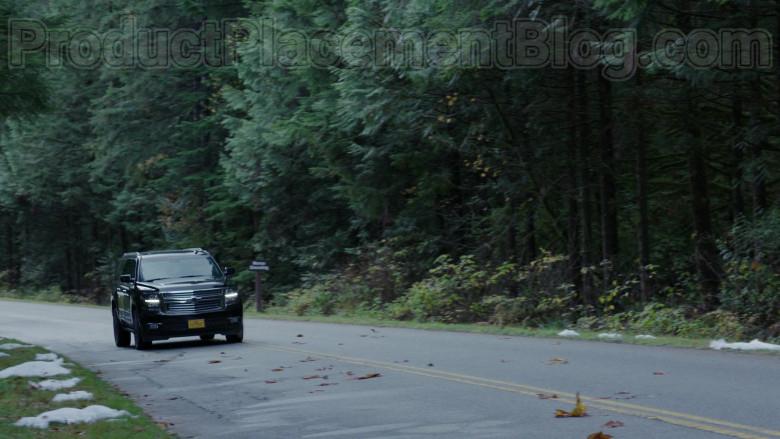 Chevrolet Suburban SUV in Siren S03E07 Northern Exposure (1)