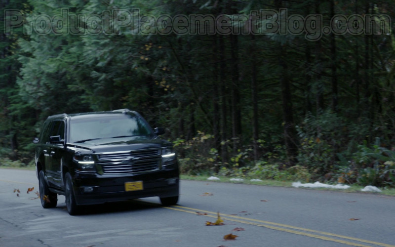 Chevrolet Suburban SUV in Siren S03E07 Northern Exposure (2)
