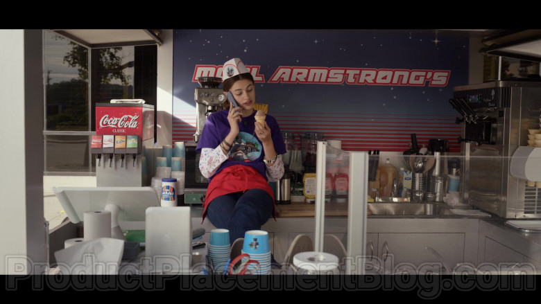 Coca-Cola, Fanta, Sprite & Kraft Jet-Puffed Marshmallows in Space Force S01E07 Edison Jaymes (2020)