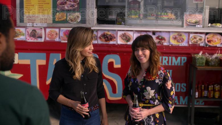 Coca-Cola Soda Enjoyed by Natalie Morales & Linda Cardellini in Dead to Me S02E06 (3)