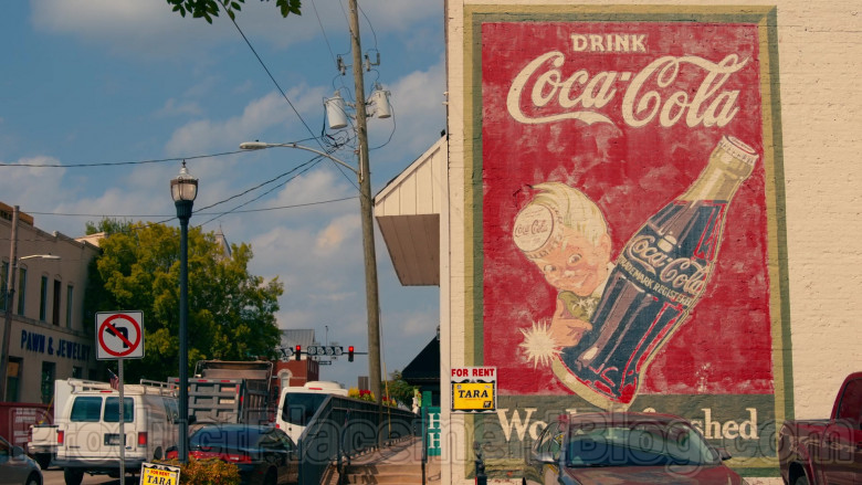 Coca-Cola Wall Painting in Sweet Magnolias S01E01 Pour It Out (2020)