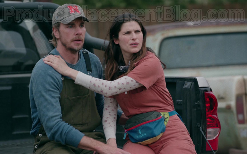 Cotopaxi Fanny Pack of Lake Bell as Rio Levine-Young in Bless This Mess TV Series (2)