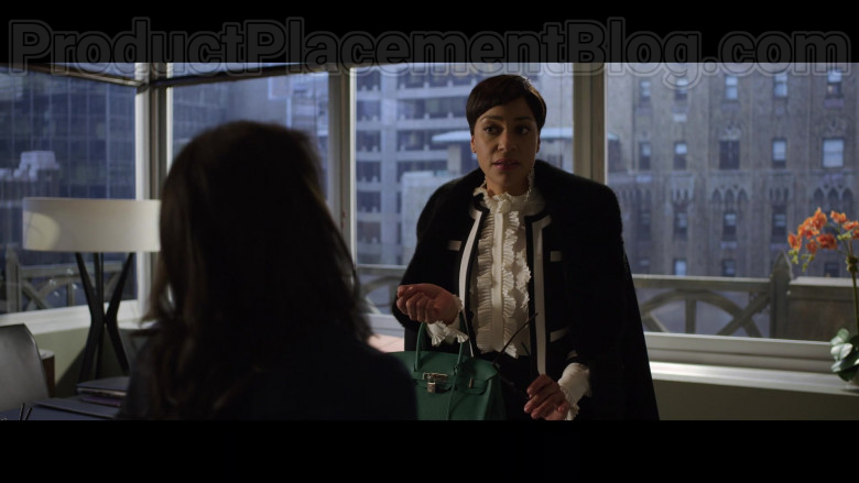 Cush Jumbo as Lucca Quinn Carrying Hermes Birkin Green Handbag in The Good Fight S04E06 TV Show (4)