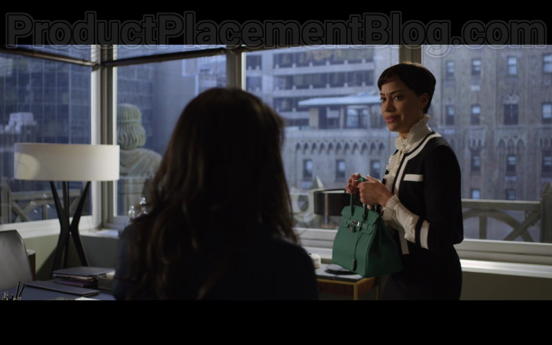 Cush Jumbo as Lucca Quinn Carrying Hermes Birkin Green Handbag in The Good Fight S04E06 TV Show (5)