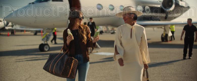 Dakota Johnson Carrying Louis Vuitton Bag in The High Note Movie (3)