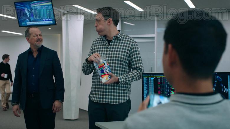 Dan Soder as Dudley Mafee Enjoying Kraft Jet-Puffed Marshmallows in Billions S05E04 TV Show (2)