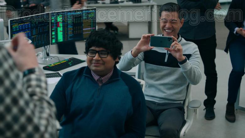 Daniel K. Isaac as Ben Kim Using Apple iPhone 11 Pro Smartphone in Billions S05E04 TV Series (1)