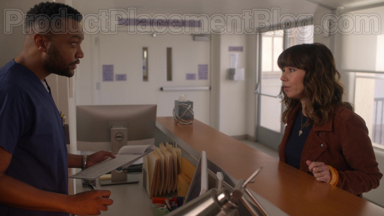 Dell Computer Monitor in Dead to Me S02E08 It Had To Be You (2020)