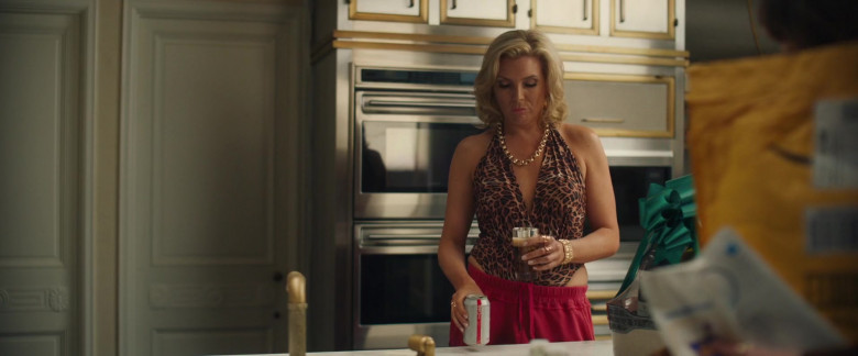 Diet Coke Enjoyed by June Diane Raphael in The High Note Movie (1)