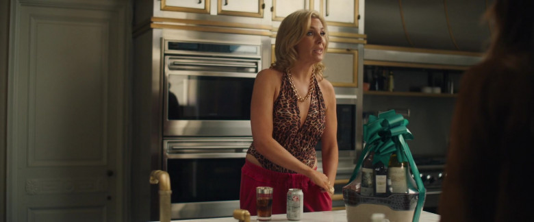 Diet Coke Enjoyed by June Diane Raphael in The High Note Movie (2)