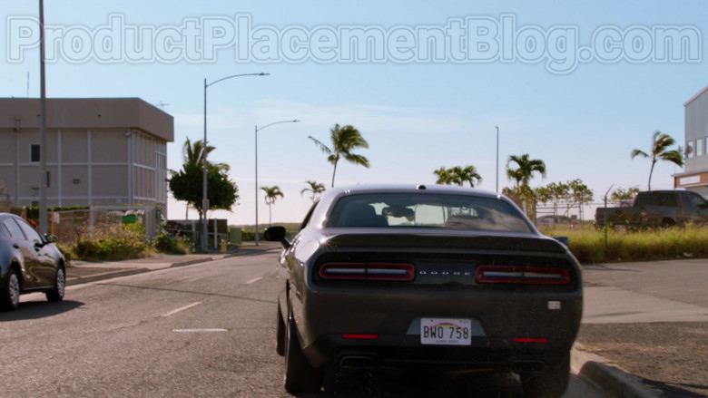 Dodge Challenger Car in Magnum P.I. TV Series [Season 2 Episode 19] (2)