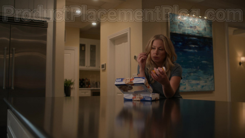 Entenmann's Cookies Enjoyed by Christina Applegate as Jen Harding in Dead to Me Netflix Original Series (2)