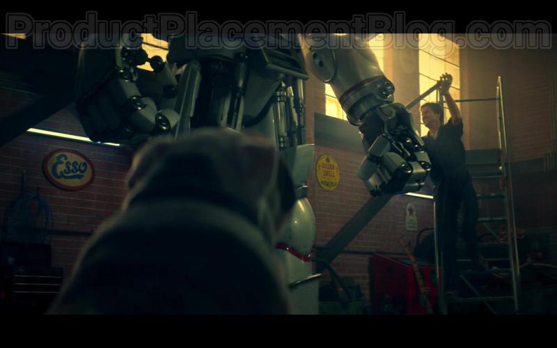 Esso Fuel Signs in Stargirl S01E02 S.T.R.I.P.E. TV Show (2)