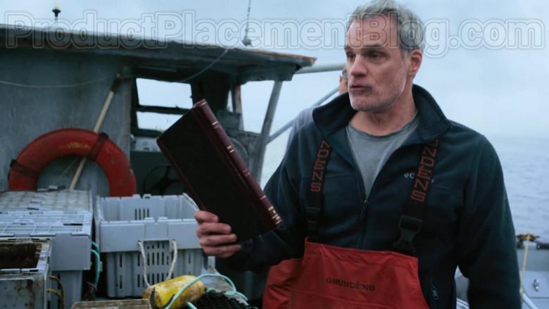 Grundéns Fishing Bib Pants in Hightown S01E01 (1)