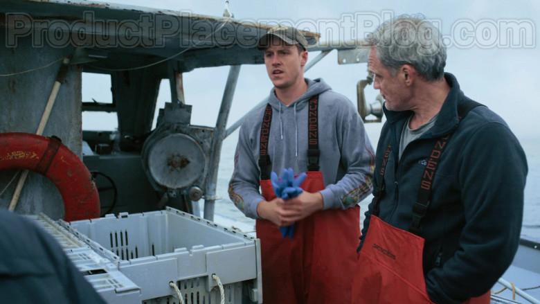 Grundéns Fishing Bib Pants in Hightown S01E01 (2)