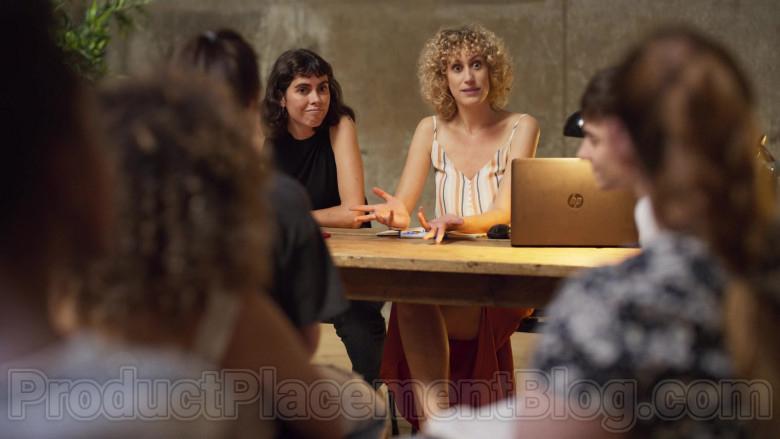HP Laptop of Teresa Riott as Nerea in Valeria S01E06 (2)