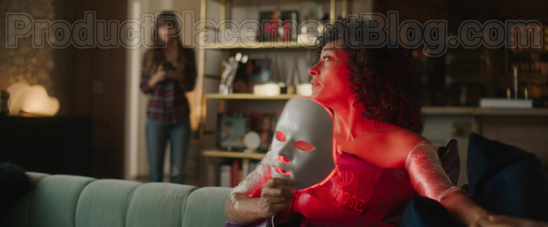HigherDose Infrared Sauna Blanket of Tracee Ellis Ross in The High Note Movie (3)