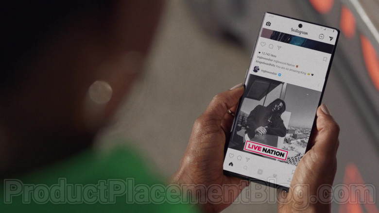 Instagram Social Network in Insecure TV Series (5)