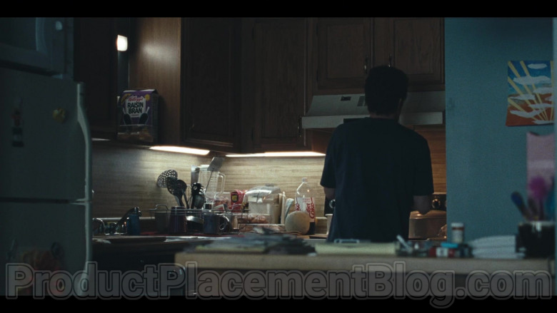 Kellogg's Raisin Bran Cereal, Ritz Crackers, Diet Coke Soda Bottle Seen in I Know This Much Is True S01E02 TV Series