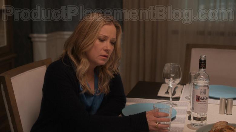 Ketel One Vodka Enjoyed by Christina Applegate as Jen Harding in Dead to Me S02E09
