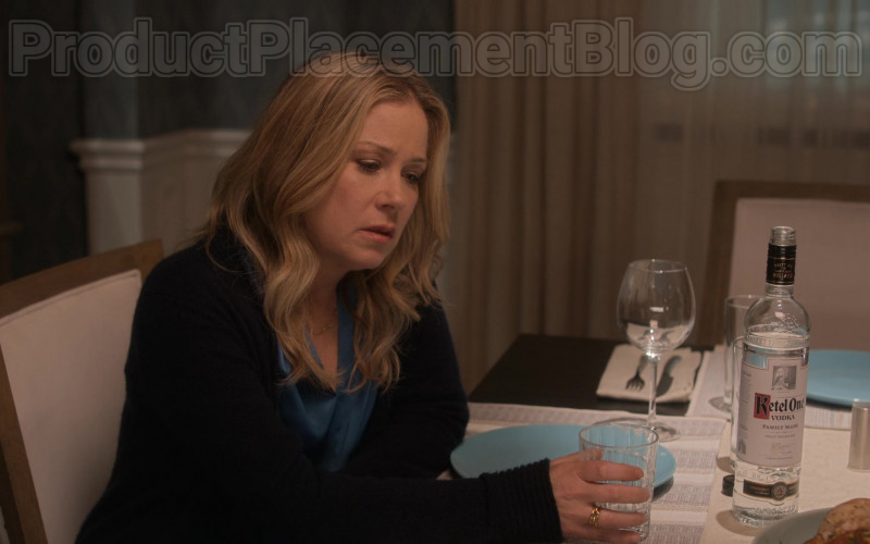 Ketel One Vodka Enjoyed by Christina Applegate as Jen Harding in Dead to Me S02E09