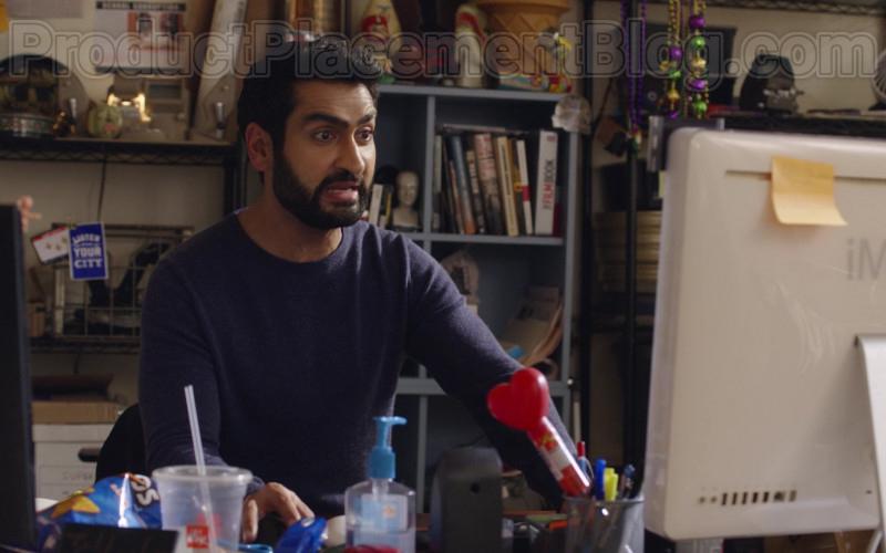 Kumail Nanjiani Using Apple iMac Computer The Lovebirds (2020) Netflix Movie