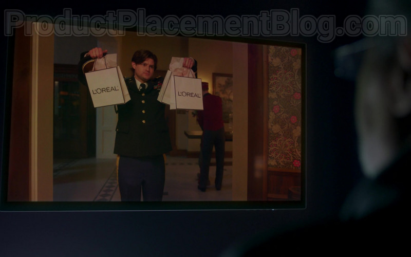 L'Oréal Cosmetics Paper Bags in Upload S01E03 The Funeral (2020)