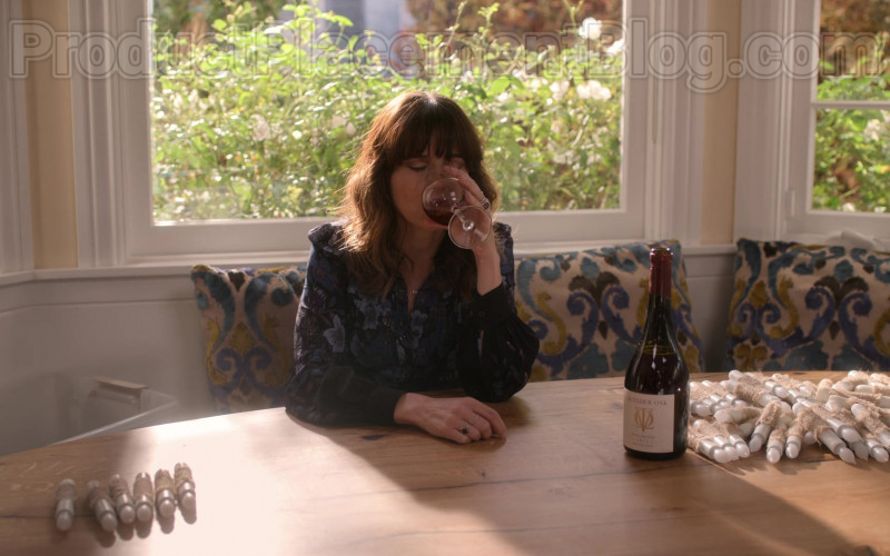 Lavender Oak Wine Enjoyed by Linda Cardellini as Judy Hale in Dead to Me TV Show S02E07 (1)