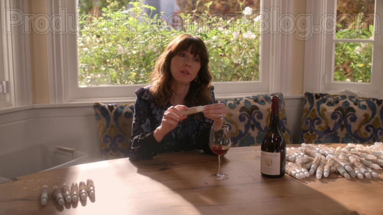 Lavender Oak Wine Enjoyed by Linda Cardellini as Judy Hale in Dead to Me TV Show S02E07 (2)