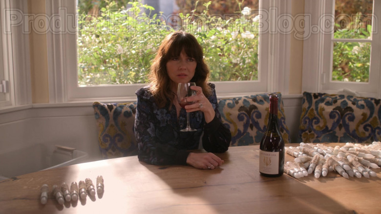 Lavender Oak Wine Enjoyed by Linda Cardellini as Judy Hale in Dead to Me TV Show S02E07 (3)