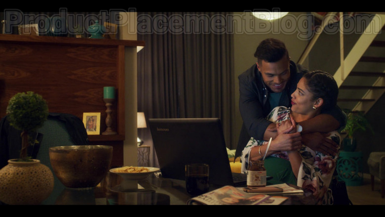 Lenovo Laptop Used by Actress in Blood & Water S01E04 Netflix TV Show (1)