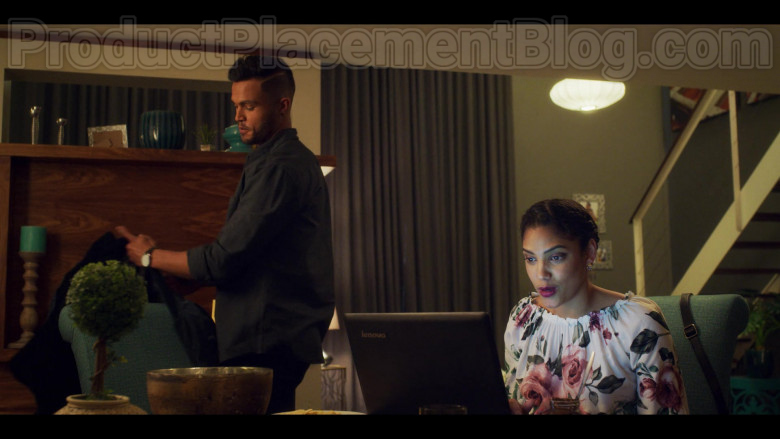 Lenovo Laptop Used by Actress in Blood & Water S01E04 Netflix TV Show (2)