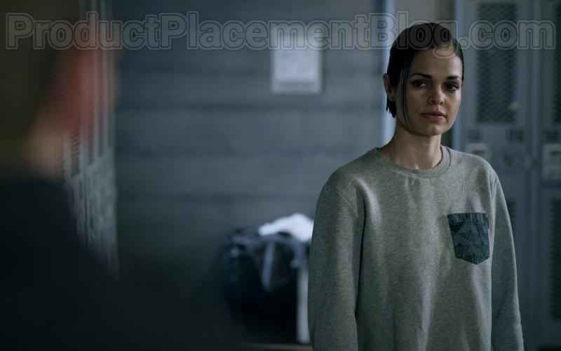 Lina Esco as Chris Wearing Carhartt Sweatshirt Outfit in S.W.A.T. S03E21 TV Show