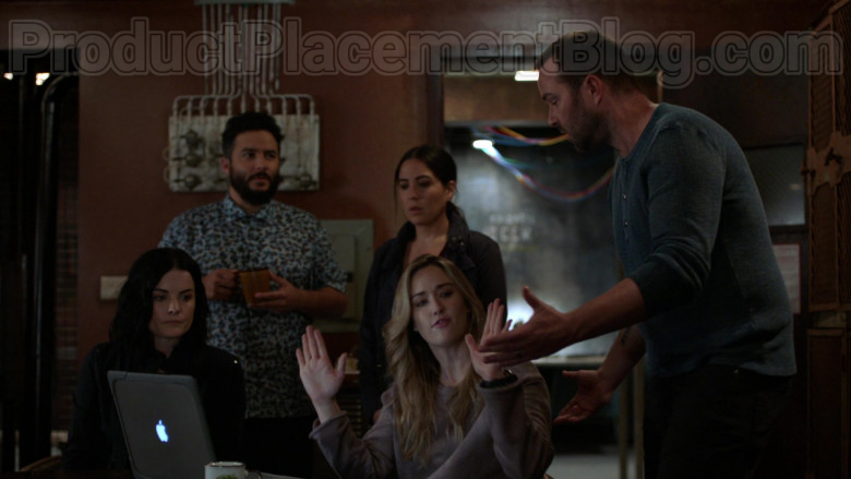 MacBook Laptop by Apple in Blindspot S05E03 Existential Ennui 2020 (2)