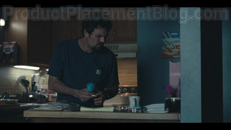 Mark Ruffalo Wearing Carhartt T-Shirt Outfit in 'I Know This Much Is True' S01E02 HBO TV Show (2)