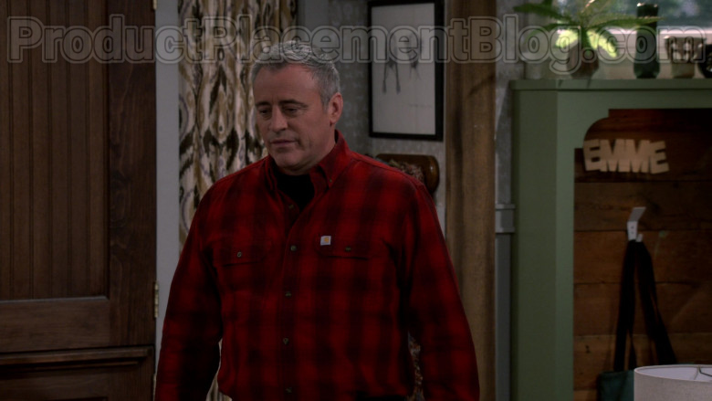 Matt LeBlanc Wearing Carhartt Checkered Red Shirt in Man with a Plan S04E09 TV Series (2)